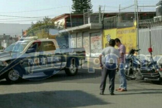 Personal de la Unidad Especializada en la Escena del Crimen (UEEC) realizó el levantamiento del cuerpo para trasladarlo al Servicio Médico Forense, donde se espera sea identificada la persona