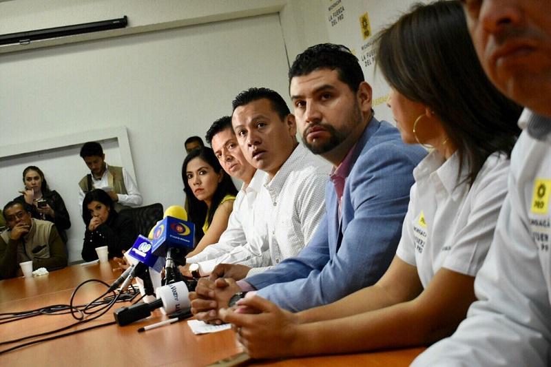 """""""Este proceso va a permitir poner al frente a los candidatos más competitivos e ir en unidad"""", aseguró Torres Piña"""