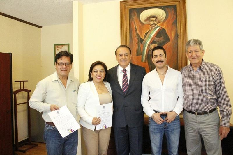 Sigala Páez exhortó a los nuevos funcionarios de la Sedrua, a dar su mejor esfuerzo y trabajar de manera coordinada y respetuosa con la plantilla de trabajadores de base, sindicalizados, de contrato, de honorarios, eventuales, entre otros