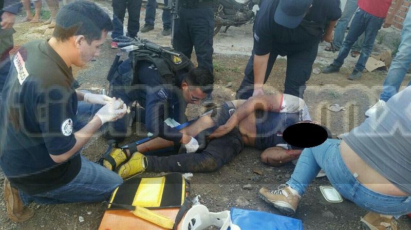 Elementos de la Policía Michoacán requirieron al conductor de la unidad para trasladarlo ante la autoridad competente, mientras elementos realizaron el peritaje del accidente y retiraron la pesada unidad a un corralón del municipio