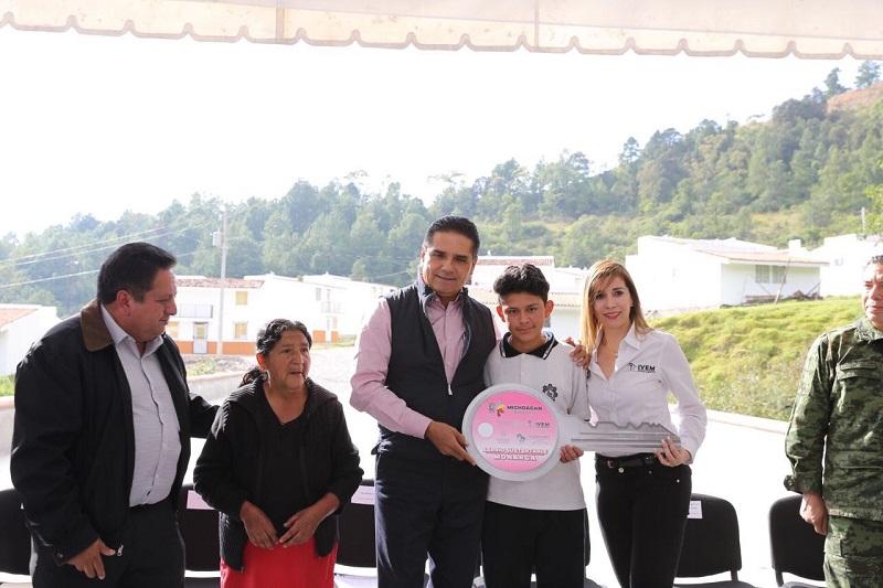 Aureoles Conejo arrancó la rehabilitación del Libramiento de Angangueo, con una inversión de 6 mdp; beneficiará tanto a las y los anganguenses, como a turistas que acuden al Santuario de la Mariposa Monarca