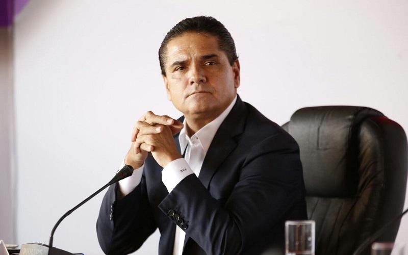 Para Aureoles Conejo, la solución a los problemas de la Universidad Michoacana sólo puede y debe venir desde adentro de la institución