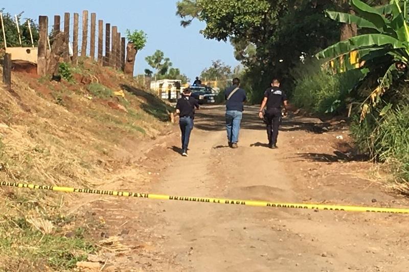 Al lugar arribaron elementos de la Policía Michoacán, los cuales confirmaron la información y procedieron a resguardar el lugar y solicitar apoyo a la Fiscalía Regional de Uruapan, para lo conducente