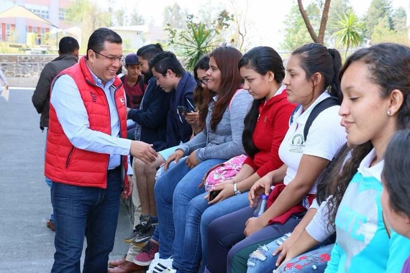 Barragán Vélez, mencionó que dentro del trabajo que realizan los docentes del TEBAM, no solo está establecida en una formación meramente curricular si no en una educación integral que va de la mano con el deporte, la cultura y los valores