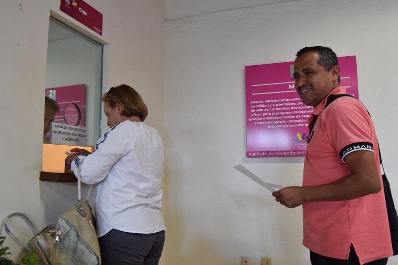 Los horarios de atención son de 09:00 a 14:00 horas, en días hábiles, la calle Cristóbal Patiño número 4371, colonia Fray Antonio de Lisboa