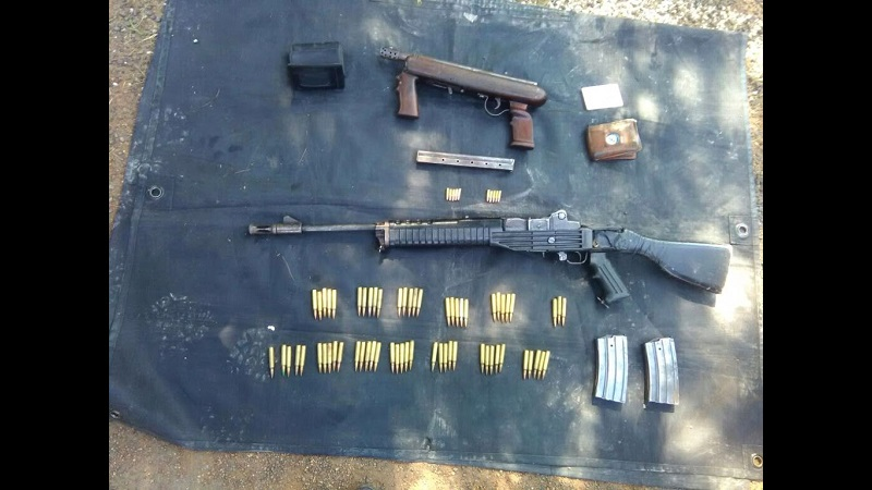 A Rafael C., y José S., de 50 y 37 años respectivamente, se les aseguraron dos armas de fuego calibre .223 y .22, con tres cargadores y 73 cartuchos útiles