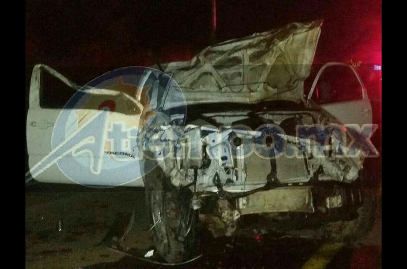 Las autoridades correspondientes se hicieron cargo de realizar el peritaje del accidente y trasladar la camioneta siniestrada a un corralón del municipio