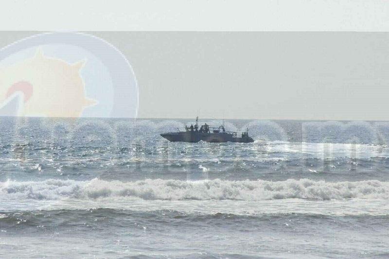 Hasta el momento se encuentran en esta ciudad los familiares del joven  Mauricio P. de 18 años de edad, quien es originario de la ciudad de Morelia y quién es el joven que se encuentra desaparecido mar adentro