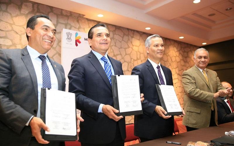 El mandatario estatal refrendó el compromiso de la administración de coadyuvar en acciones que permitan un mejor desarrollo social de los menores en Michoacán