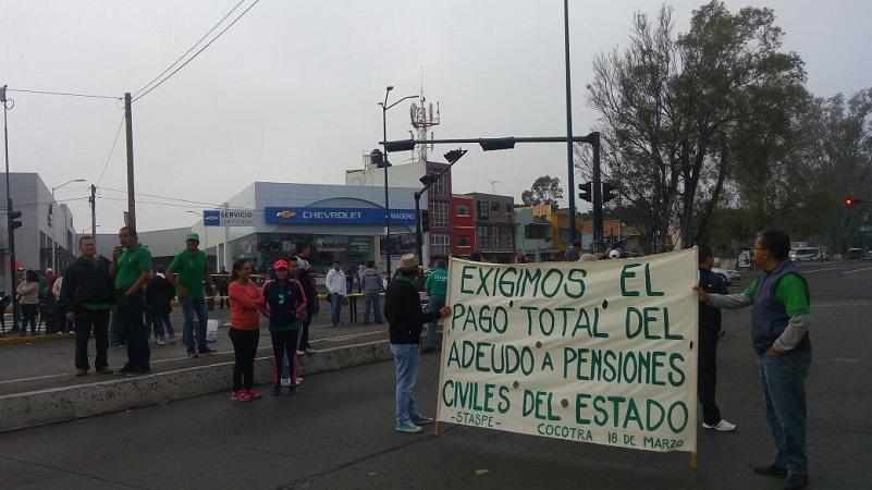 Mientras eso ocurre, las huestes de la CNTE –que otra vez suspendieron clases- se preparan para partir en marchas desde las principales entradas y salidas de la ciudad