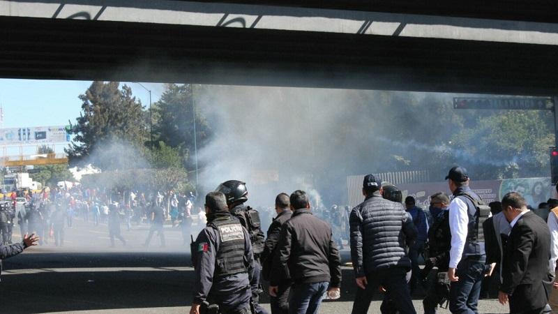 Estos hechos ocurrieron en el marco de las manifestaciones en distintos puntos de la ciudad, donde participaron miembros del STASPE, STASPLE y SUTASPJEM