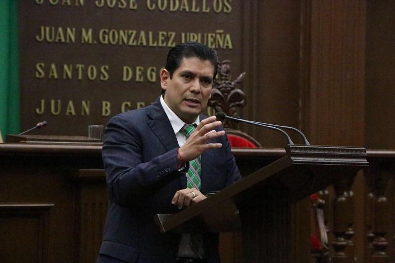 Núñez Aguilar lamentó que derivado del bloqueo de vialidades y salidas de Morelia el pasado martes, un menor de 12 años falleciera ante el impedimento de los manifestantes para ser trasladado a un nosocomio