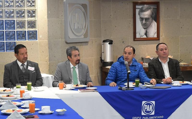 Marko Cortés refrendó su compromiso con los más de 55 mil alumnos provenientes de más de 17 entidades federativas, reiterando su total apoyo a la Universidad que tiene 100 años de historia formando profesionistas y de la cual él mismo es orgullosamente egresado