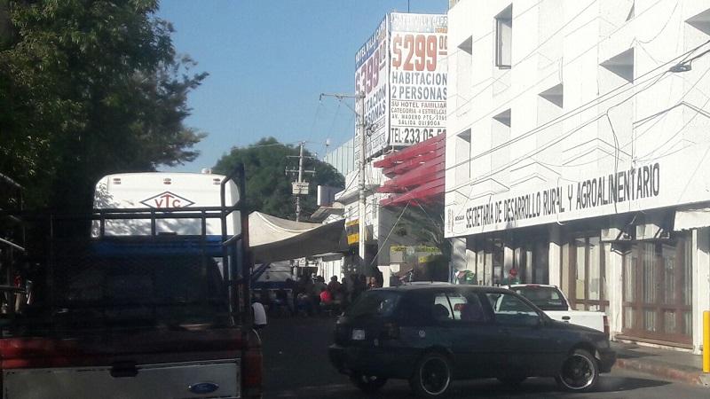 También se registra una manifestación de la misma organización frente a las oficinas alternas de la Sedrua, en el Boulevard García de León, pero ahí no se registra bloqueo a la vialidad