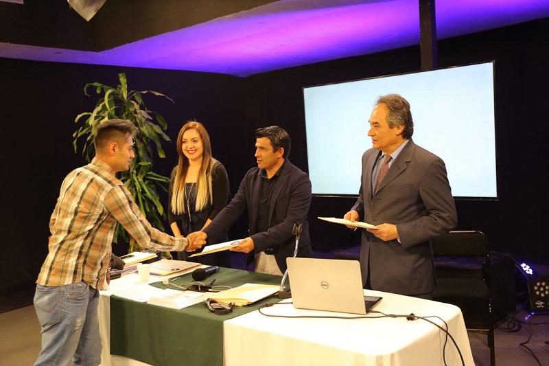 Reciben diplomas por los primeros seis de 13 módulos del Diplomado de Locución y Periodismo en la ciudad de Morelia