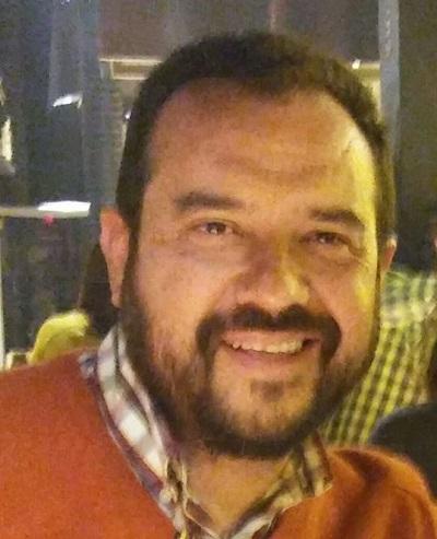 El autor, Gonzalo Gabriel Estrada Cervantes, es licenciado en Derecho, especialista en Derecho Agrario; Maestro en Ciencias en Desarrollo Rural Regional; Maestro en Derecho Ambiental y de la Sostenibilidad; Diplomado en la Unión Europea