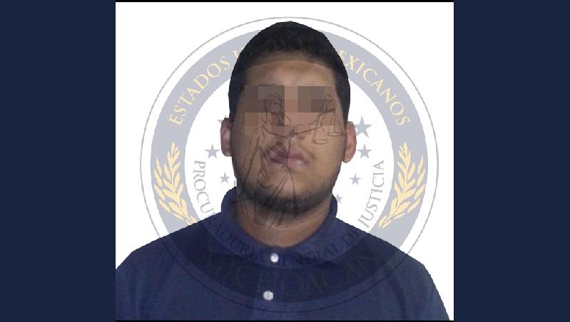 La víctima, hijo de una regidora del municipio de Tangamandapio, murió cuando recibía atención médica