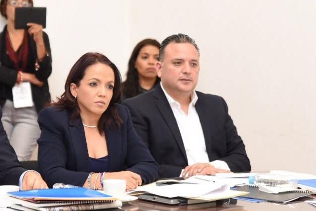 Quintana Martínez, promotor del fortalecimiento del Tribunal de Justicia Administrativa, expresó su respaldo al trabajo desempeñado por estos nuevos aspirantes y reiteró la oportunidad de que ambos funcionarios implementen acciones preventivas de la comisión de delitos relacionados con la corrupción