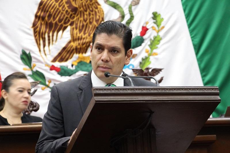 Núñez Aguilar pidió al resto de sus compañeros legisladores sumarse a su iniciativa, la cual evidencia de manera directa la necesidad de trabajar en la protección del medio ambiente de Michoacán por convicción y un bien común