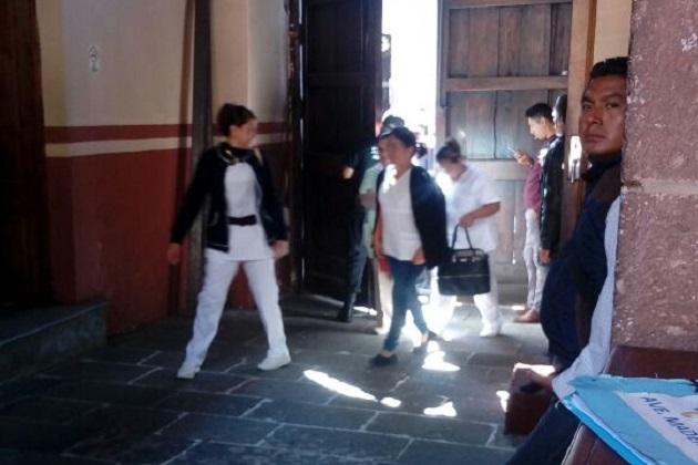 Una comisión de 10 enfermeras, encabezada por Adriana Piñón, fue recibida por una comisión de diputados
