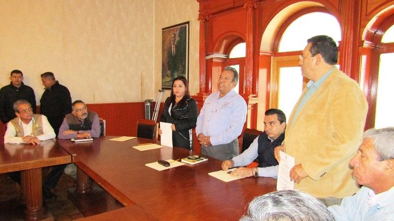 El nuevo director general de la Comisión Forestal del Estado de Michoacán, Jaime Díaz Vázquez, hizo entrega formal de tres nombramientos en la estructura principal de la dependencia