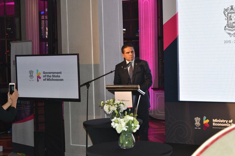 El titular de la Sedeco, Jesús Melgoza Velázquez, destaca el paquete de incentivos fiscales para las empresas interesadas en participar la ZEE de Lázaro Cárdenas
