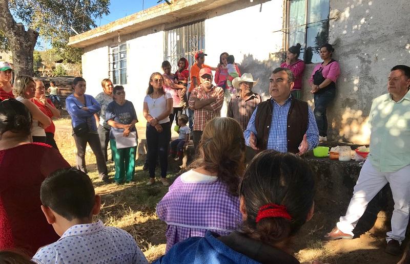 """""""La ciudad y el área rural de la ciudad, tienen muchos problemas de servicios e infraestructura, que requieren solución a través de proyectos de gran visión y no de parches o soluciones parciales"""": Constantino Ortiz"""