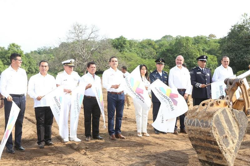 Lázaro Cárdenas será uno de los municipios más seguros de Michoacán, reitera Silvano Aureoles