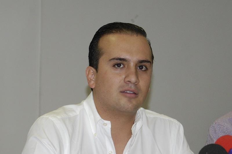 """""""Los jóvenes de Michoacán, especialmente los morelianos, reconocemos en Salvador Galván un liderazgo ejemplar, con quien estoy seguro haremos un excelente trabajo en equipo y aprenderemos de su experiencia y capacidad"""", mencionó Pepe Martínez"""