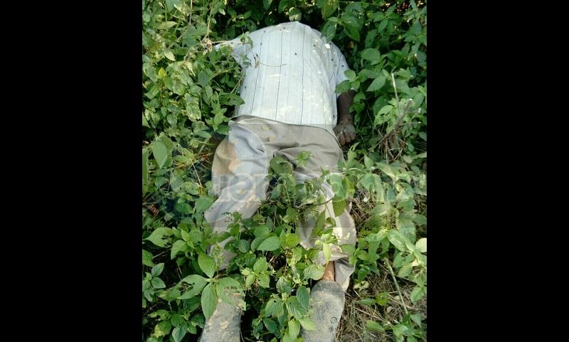 Personal de la Policía Michoacán acordonó el área en espera de personal de la Fiscalía