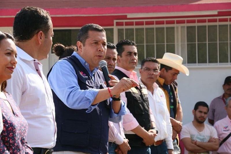 Barragán Vélez mencionó que este sistema educativo trabaja por bajar los índices de deserción dentro del estado, ya que a nivel nacional se estima que de educación media superior es de 12.1%.