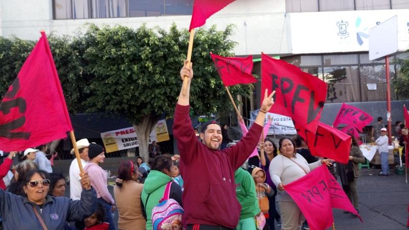 Los manifestantes cerraron por más de una hora la Avenida Lázaro Cárdenas, frente a las oficinas centrales de la Sedesoh