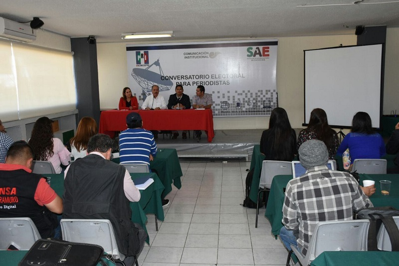 """La capacitación llevó por nombre """"Conversatorio Electoral para Periodistas"""""""