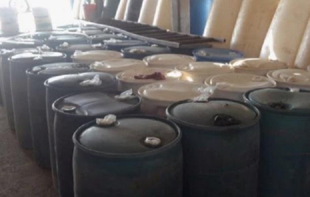 Al no poder acreditar la legal procedencia del combustible distribuido en 12 galones, José Luis G., fue puesto a disposición de la autoridad correspondiente