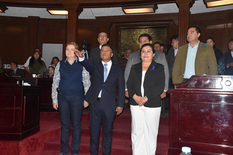 Luis Gerardo Barajas Sandoval cumple en plenitud con los requisitos tanto establecidos en previa convocatoria, así como  los previstos por los artículos 11 y 12 de la Ley de Fiscalización Superior del Estado de Michoacán