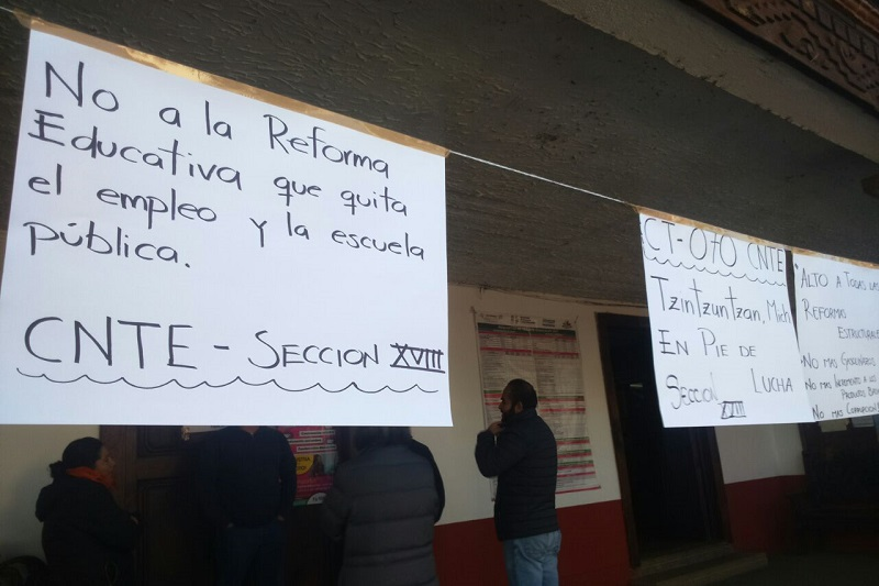 Los manifestantes tienen previstas estas acciones en todas las oficinas de la Secretaría de Finanzas y Administración del Gobierno de Michoacán en el estado