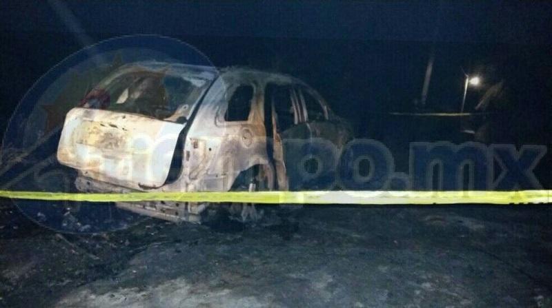 Al respecto se informó que aproximadamente a las 23:00 horas los elementos de la Policía Michoacán, fueron alertados que sobre la brecha que se ubica pasando el puente de Santa Rosa, se estaba incendiando una camioneta, y que presuntamente había cuerpos en el interior