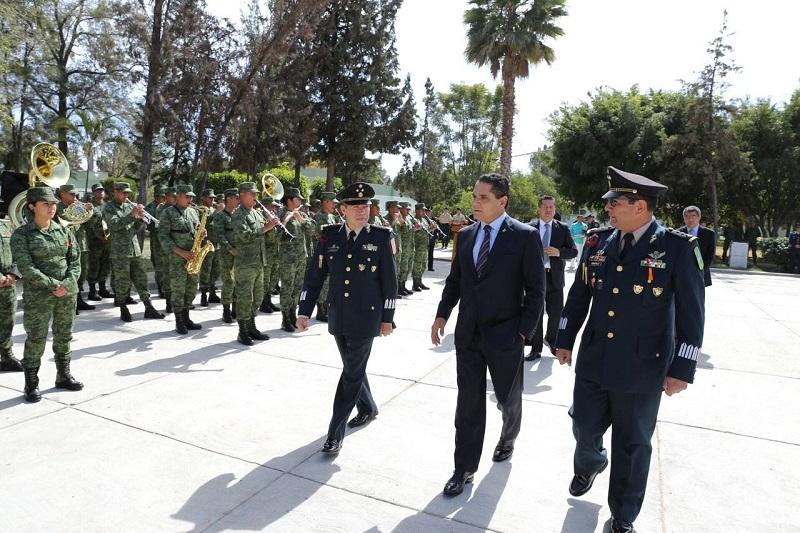 Aureoles Conejo también agradeció el apoyo decidido que durante estos meses brindó el general Miguel Ángel Patiño Canchola, quien representó a esta Región Militar al interior del Grupo de Coordinación Michoacán