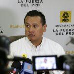 """A ocho meses de terminar su administración, permitir a los alcaldes contraer deudas, """"sería una irresponsabilidad"""" advirtió el dirigente estatal del sol azteca en Michoacán, Carlos Torres Piña"""