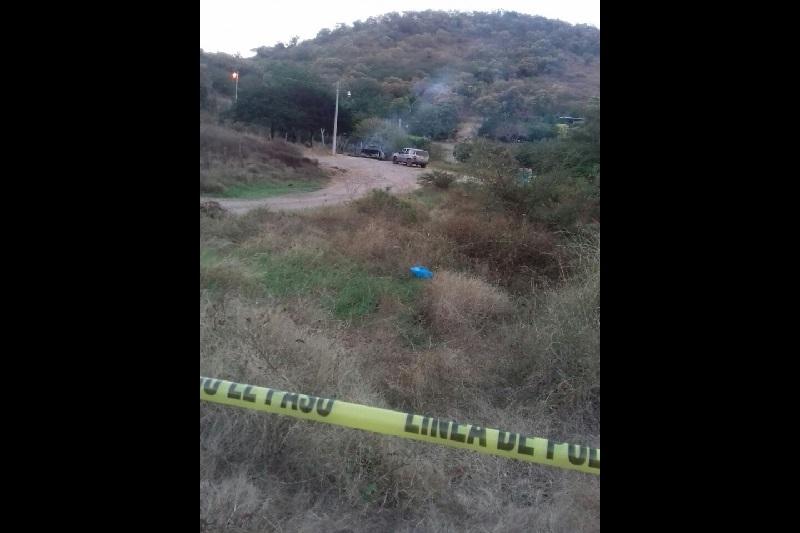 Se implementó un fuerte operativo en la zona para tratar de dar con los responsables de los homicidios