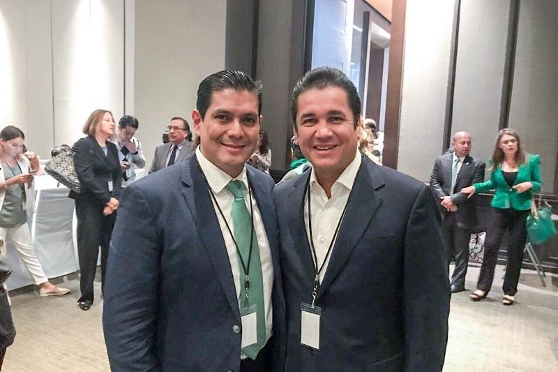 """""""Sólo me queda felicitarlo, pues lo conozco de hace tiempo y creo que fue una buena elección de la militancia, además somos un partido que demuestra que los líderes se eligen y no se imponen"""", señaló Núñez Aguilar"""