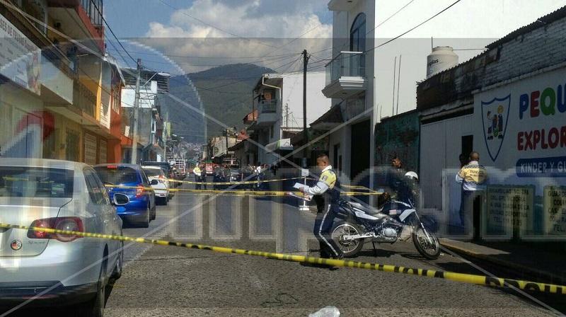 Vecinos del lugar indicaron que son muy constantes los asaltos en esa ubicación, donde ya anteriormente personas han perdido la vida