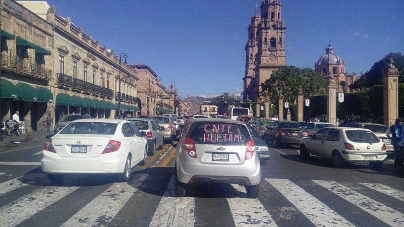 Tras arribar a la Avenida Madero, los maestros realizaron un mitin y comenzaron a retirarse paulatinamente. Fue a las 15:49 horas cuando la vialidad quedó completamente libre para el paso de vehículos