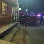 Autoridades correspondientes se hicieron cargo de realizar el peritaje y retirar la camioneta a un corralón oficial del municipio