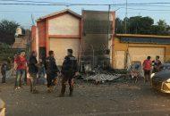 Al lugar acudieron bomberos los cuales controlaron el siniestro, dónde afortunadamente no hubo personas lesionadas, únicamente daños materiales