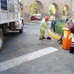 Gil Vázquez, precisó que a partir de las 23:00 horas de este 11 de diciembre se inició el operativo de limpieza en dónde se encuentran 250 personas de la Dirección de Residuos Sólidos, 8 vehículos tipo volteo, 3 camionetas de 1.5 toneladas y 7 camiones de separación