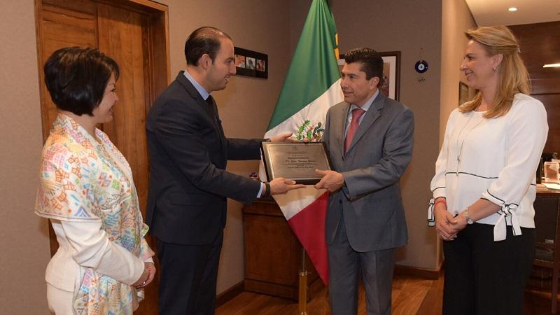 El también coordinador del Grupo Parlamentario del PAN expresó que estaba orgulloso de que mexicanos tan destacados acudan a la Cámara de Diputados