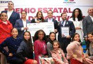 Aureoles Conejo otorgó los premios a los ganadores de cinco categorías, con una aportación que rebasa los 386 mil pesos