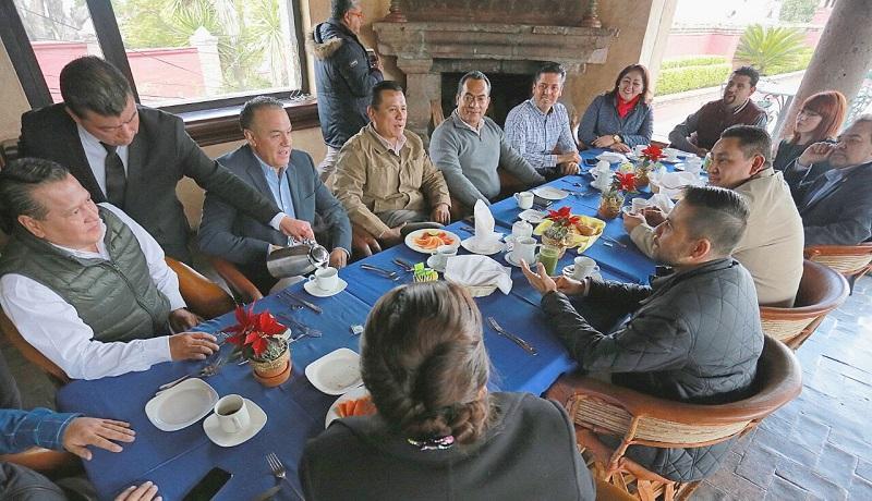 Cabe mencionar que todas y todos los Consejeros Estatales participarán en el Consejo del Primer Pleno Ordinario y Extraordinario, que se celebrará el día domingo 17 de Diciembre de 2017, en la ciudad de Morelia