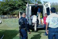 Inmediatamente una unidad médica realizó el trasladado del Hospital Latino a la Unidad Deportiva del municipio, donde un helicóptero de Gobierno del Estado ya esperaba para trasladarla por aire